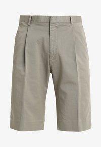 Whyred - IAN SHORT - Shorts - dusky green - 4