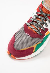 White Mountaineering - Baskets basses - multicolor - 5