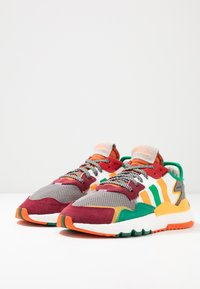 White Mountaineering - Baskets basses - multicolor - 2