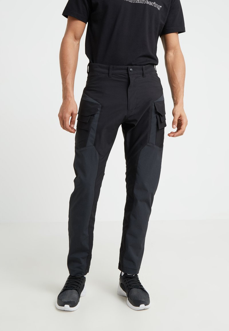 White Mountaineering - CONRTASTED CARGO TAPEDRED PANT - Pantalones cargo - black