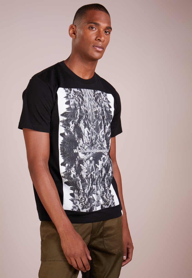 White Mountaineering - DEER COLLAGE - T-Shirt print - black