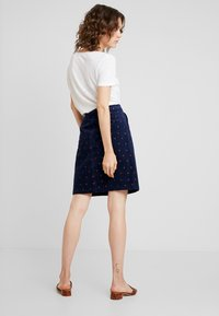 White Stuff - CLOCKTOWER EMBROIDED SKIRT - A-line skjørt - navy - 2