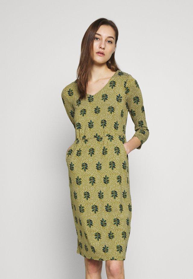 CARRIE DRESS - Žerzejové šaty - green