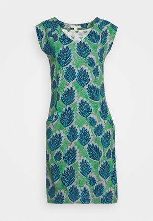 LENA FAIRTRADE DRESS - Žerzejové šaty - green
