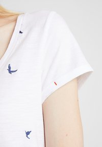 White Stuff - GOOD VIBES TEE - T-shirt print - white - 4