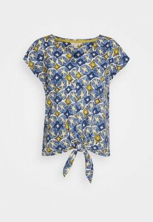 SAGE TEE - T-shirt z nadrukiem - blue