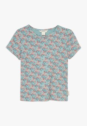 SUPERSTAR TEE - Print T-shirt - grass hopper green