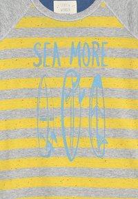 White Stuff - SEA MORE TEE - Print T-shirt - grey/yellow - 3