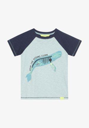 SEA CREATURES TEE - Print T-shirt - grey