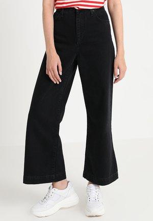 LISA - Flared Jeans - wash black