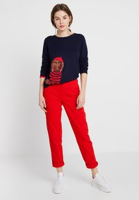 WHY7 - DANA MOM - Relaxed fit jeans - red - 1