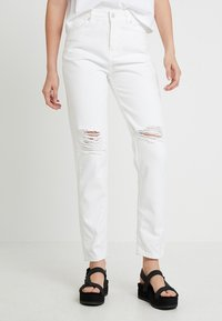 WHY7 - DANA MOM - Jeans Relaxed Fit - white - 0