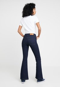 WHY7 - RIKA  - Flared jeans - raw blue - 2