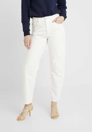 CRISTI CARROT - Jeans Relaxed Fit - white