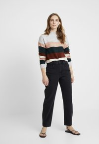 WHY7 - CRISTI CARROT - Relaxed fit jeans - black - 1