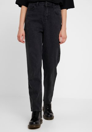 DANA MOM STRIPE - Jeansy Relaxed Fit - black