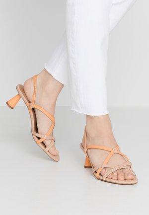 PERLA - Sandales - orange/ochre