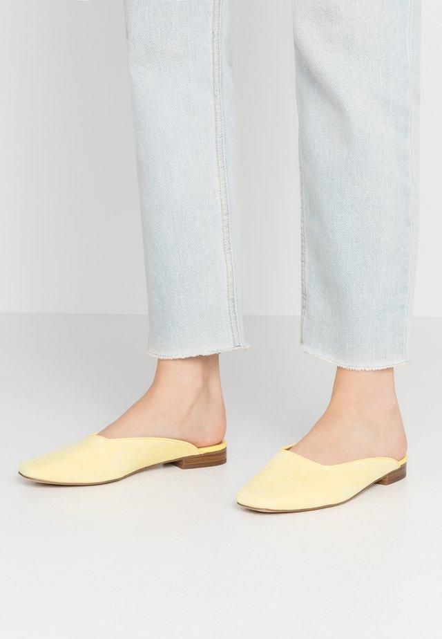 CHERRI - Mules - yellow