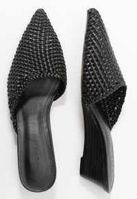 Who What Wear - MILES - Sandalias planas - black