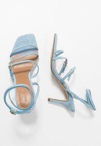 Who What Wear - EVERLY - Sandalen met hoge hak - sky blue - 3