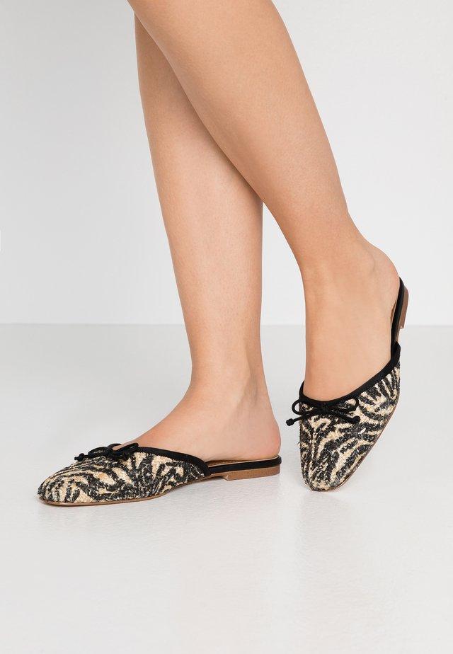 CARA - Slip-ins - brown