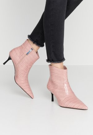 OLIVIA - Ankelstøvler - amber rose