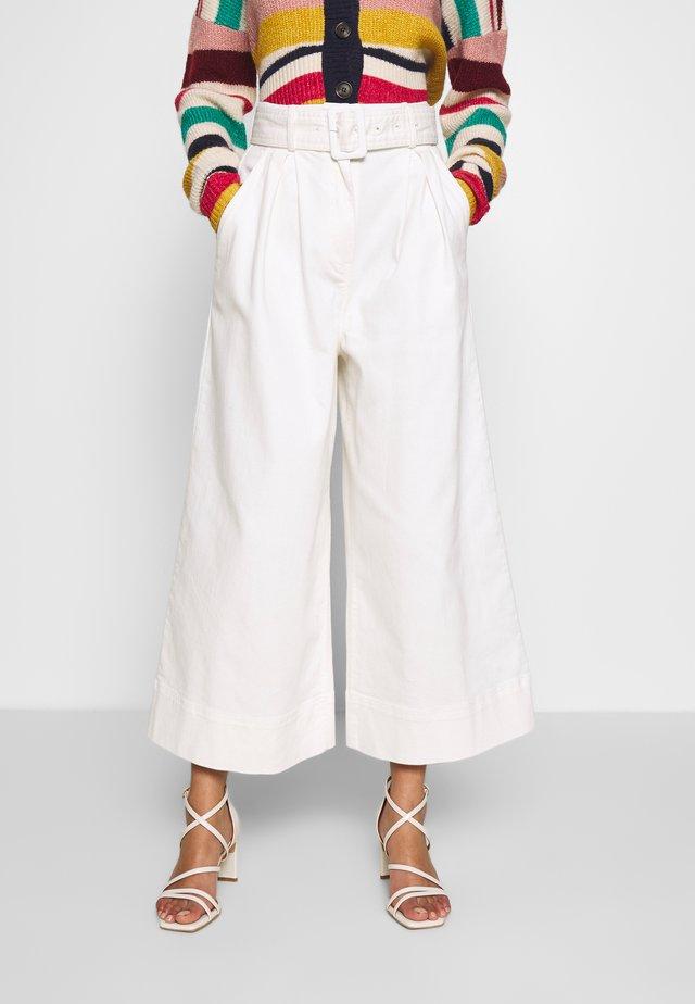 THE WIDE LEG PANT - Tygbyxor - warm white
