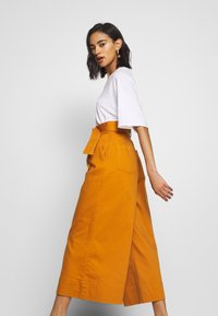 Who What Wear - THE WIDE LEG PANT - Trousers - marmalade - 3