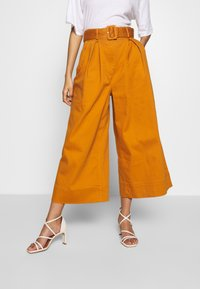 Who What Wear - THE WIDE LEG PANT - Trousers - marmalade - 0