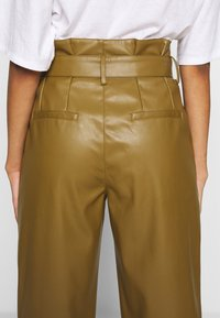 Who What Wear - TIE TROUSERS - Bukse - army - 3