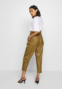 Who What Wear - TIE TROUSERS - Bukse - army - 2