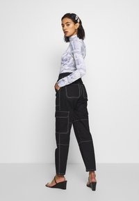 Who What Wear - THE UTILITYPANT - Bukse - black - 2