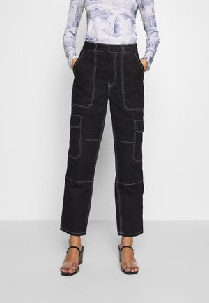 THE UTILITYPANT - Trousers - black