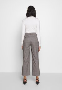Who What Wear - THE CROPPED TROUSER - Tygbyxor - grey - 2