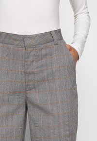 Who What Wear - THE CROPPED TROUSER - Tygbyxor - grey - 5