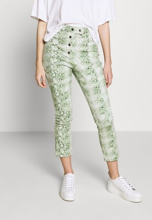 THE HIGH WAISTED BUTTON FLY TROUSER - Kalhoty - green