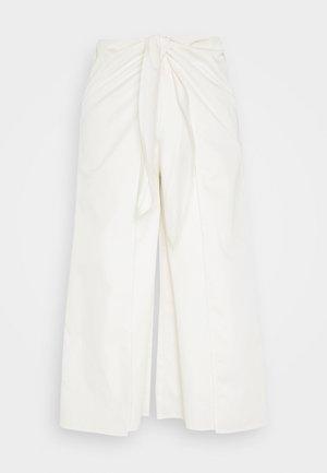 OVERWRAP CULOTTES - Pantalon classique - powder