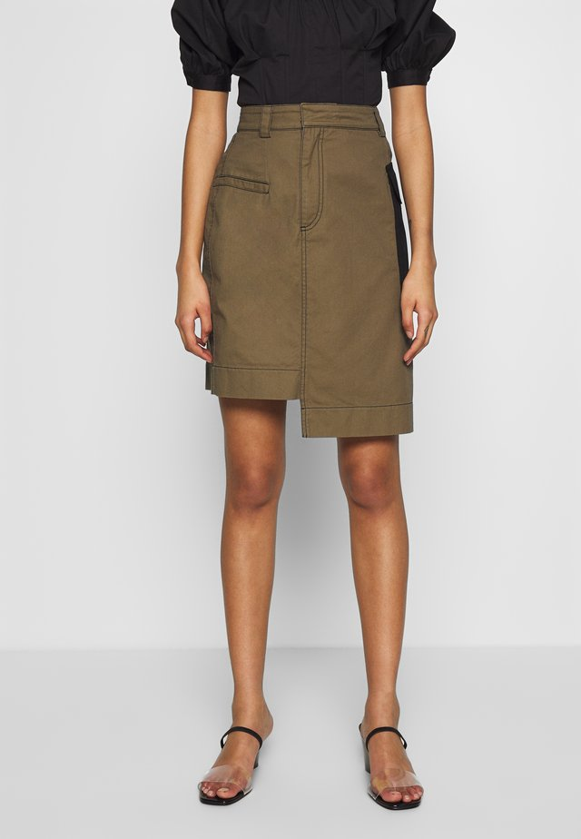 THE UTILITY SKIRT - Spódnica ołówkowa  - army/black