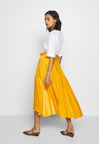 Who What Wear - THE PLEATED WRAP SKIRT - A-line skirt - sunflower - 2