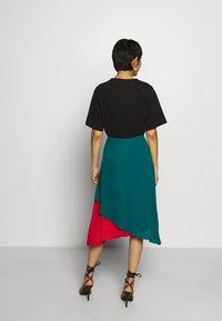 Who What Wear - ASYMMETRIC LAYERED SKIRT - A-line skirt - jade/siren - 2
