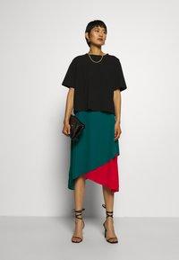 Who What Wear - ASYMMETRIC LAYERED SKIRT - A-line skirt - jade/siren - 1