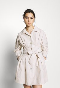 Who What Wear - THE A LINE DRESS - Skjortklänning - off-white - 0