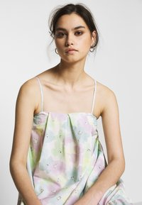 Who What Wear - THE TRAPEZE DRESS - Kjole - off-white - 4