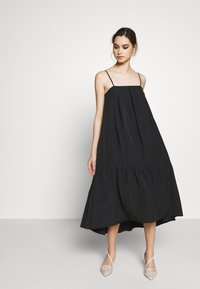 Who What Wear - THE TRAPEZE DRESS - Denní šaty - black - 0