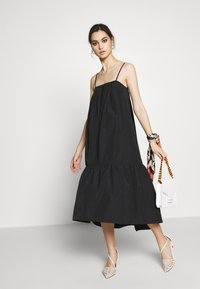 Who What Wear - THE TRAPEZE DRESS - Denní šaty - black - 1