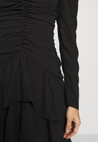 Who What Wear - THE RUCHED MINI DRESS - Cocktailkjole - black - 6