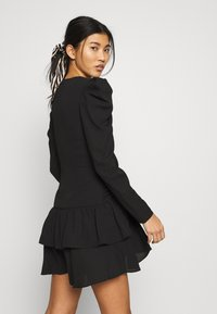 Who What Wear - THE RUCHED MINI DRESS - Cocktailkjole - black - 4