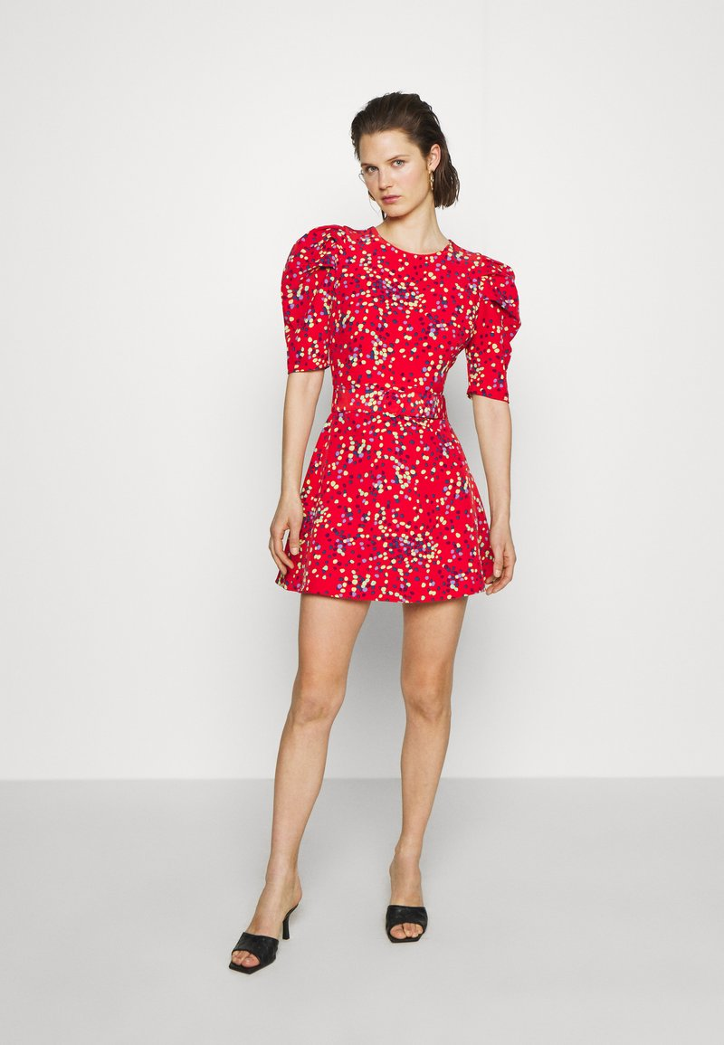Who What Wear - THE PUFF BELTED DRESS - Kjole - red