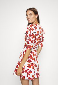 Who What Wear - THE PUFF BELTED DRESS - Day dress - white - 2