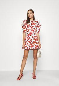Who What Wear - THE PUFF BELTED DRESS - Day dress - white - 1